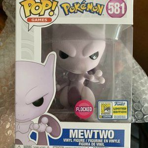 Funko Pop 2020 SDCC Mewtwo Flocked #581